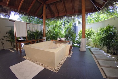 The-Luxury-Dhigu-Resort-Maldives-4