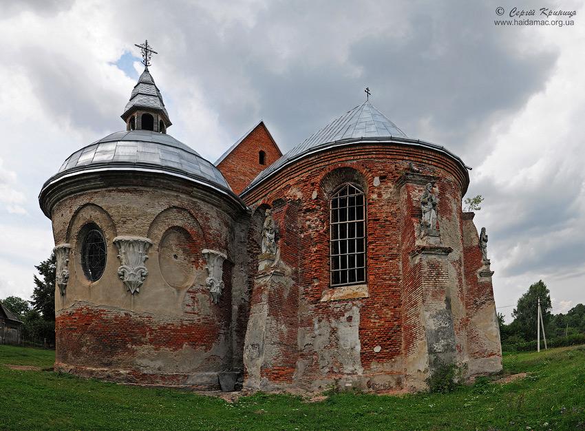 Михайлівський костел. Вид зі сходу