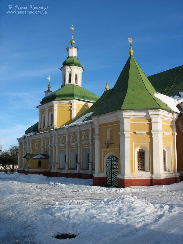 трапезна Троїцького монастиря