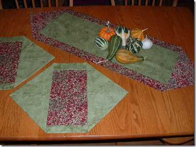 Ponderings ten minute table runner for 10 min table runner