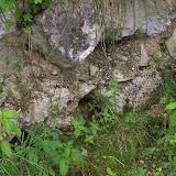 Resterna av muren vid infarten till Berghof