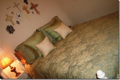 Guest Room, Lil Cowboy 008