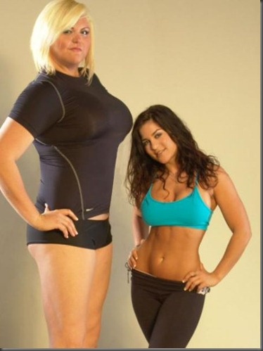 Lindsay Hayward the tallest women in the USA - funny and hot pictures