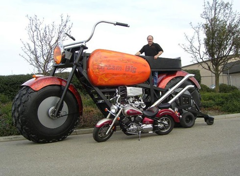 Biggest Motorcycle - The Monster 01