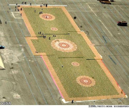 World's Largest Hand-Woven Carpet 03