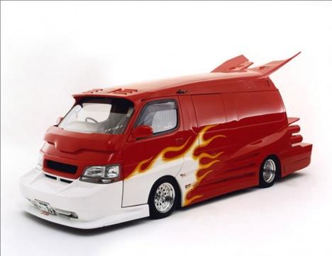 Strange Japanese Custom Vans 09