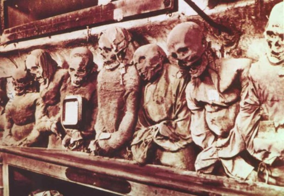 world's bizarre catacombs 19