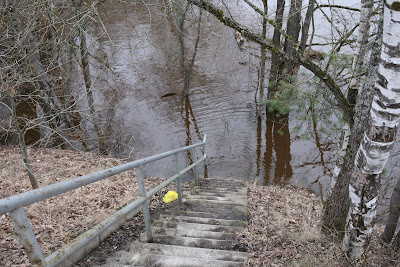 Kāpnes pie Gaujas tilta Cēsīs