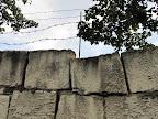 Mūris, kuŗu aizsargāja vecenīte
