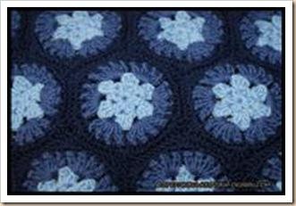 Granny hexagon pochette bleue
