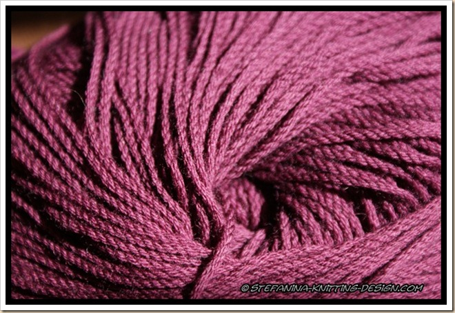 Merry Jane - Merino cablé Jakob Wolle burgundy