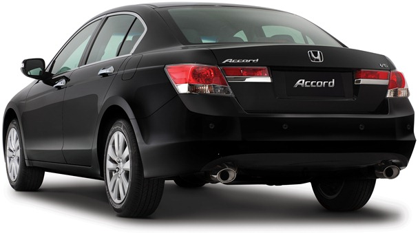 3_4_traseira_accord_2011_150dpi