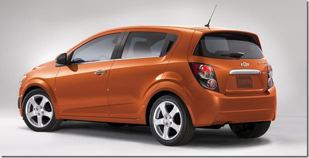Chevrolet-Sonic_2012_800x600_wallpaper_05