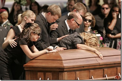 soldier-killed-funeral-2009-8-25-20-40-19