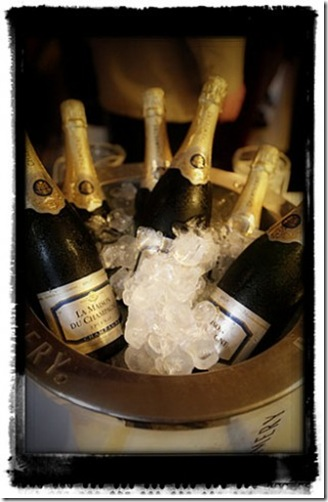 champagne_on_ice