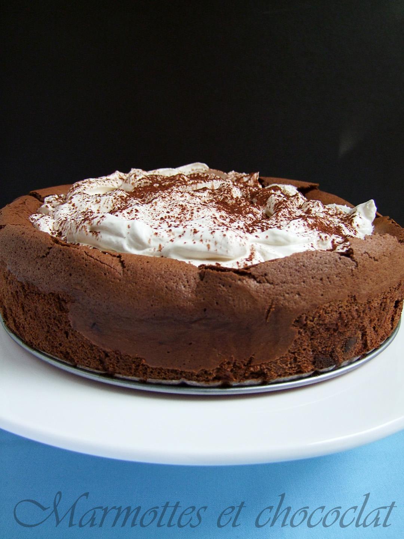 оригиналното му име е chocolate cloud cake а аз ...