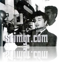 MGR handling the camera and Stunt master Shyamsundar adjusting lights