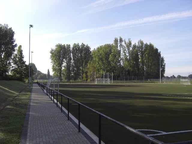 Sportplatz29040906.jpg