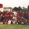32 Aufstieg 2001 - Mannschaftsfoto in Merken.jpg