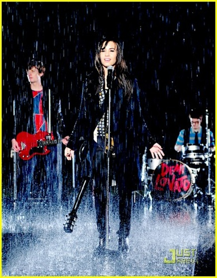 demi-lovato-dont-forget-video-09