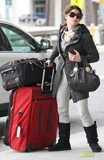 ashley-greene-travel-teddy-10