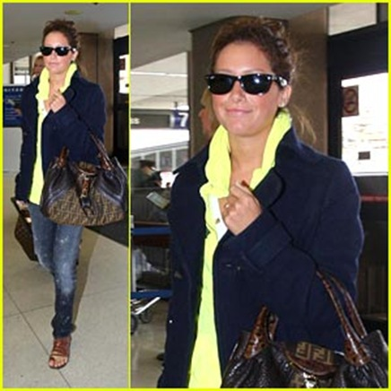 ashley-tisdale-lax-to-ny