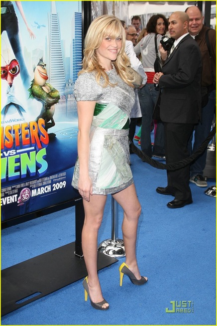 reese-witherspoon-monster-aliens-la-premiere-19