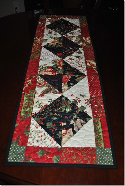 Christmas Tablerunner 002