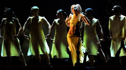 "Performance de ""Born This Way"" no Grammy Awards"