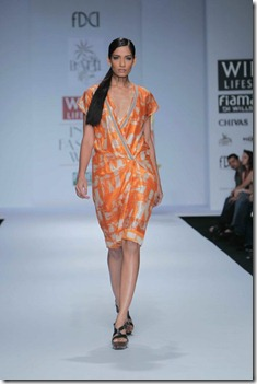 WIFW SS 2011 collection by Vineet Bahl (6)