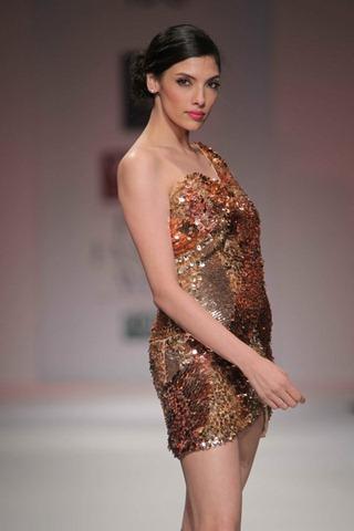[WIFW SS 2011by Gayatri Khanna (17)[6].jpg]