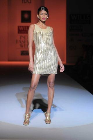 [WIFW SS 2011by Gayatri Khanna (3)[6].jpg]