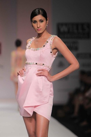 [WIFW SS 2011by Gayatri Khanna (12)[5].jpg]