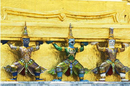 3%20Small%20Giant%20in%20Wat%20Khra%20Kaew - Some Sculptures in Wat Phra Kaew