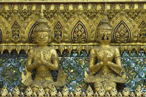 Couple%20Sculptures%20in%20Wat%20Phra%20Kaew - Some Sculptures in Wat Phra Kaew