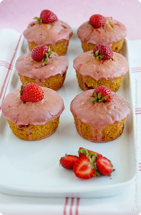 Strawberry Polenta Muffins (01) by MeetaK