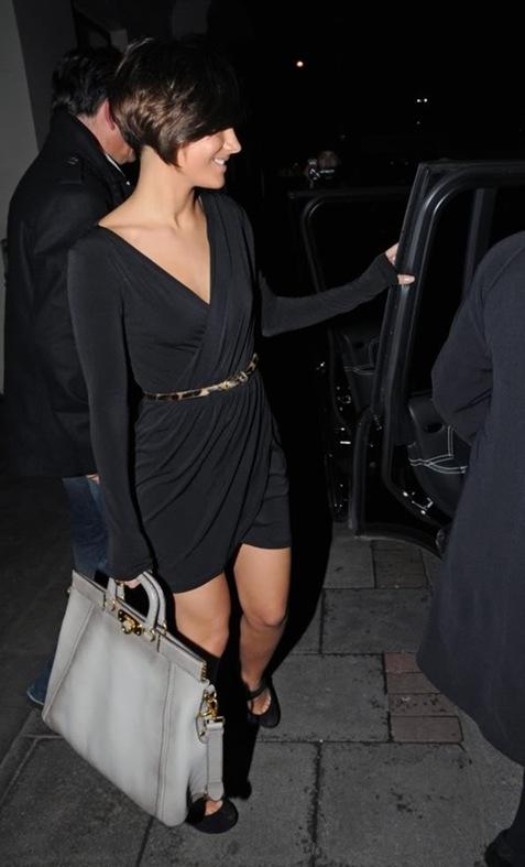 28867_Tikipeter_Frankie_Sandford_leaving_her_hotel_in_London_004_122_697lo