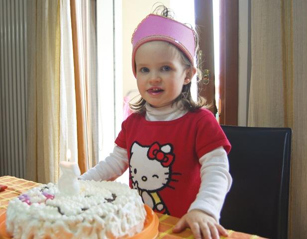 sofia con torta