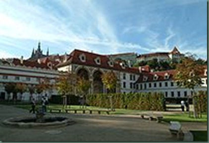 200px-Valdstejnsky_Palace_garden_autumn