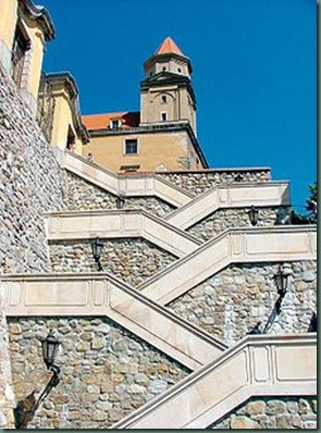 250px-Stairs_at_Bratislava_castle_hill