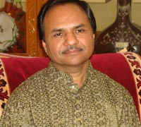 This is not a metaphor if we say so about <b>Hemant Chauhan</b>. - Hemant-Chauhan-1