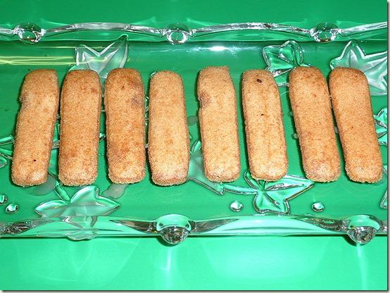 """Шоколадное полено """"Сказка"""", начальный этап - бисквитные печенья"""