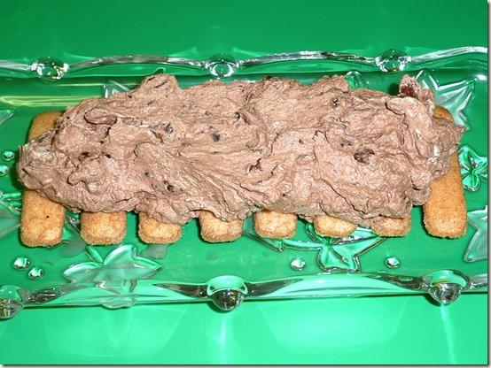 """Шоколадное полено """"Сказка"""", бисквитное печенье и крем"""