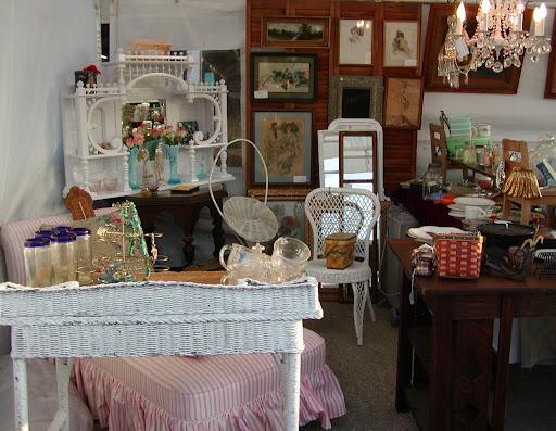 hills chapel antique store