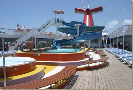 Img_9940-pool deck