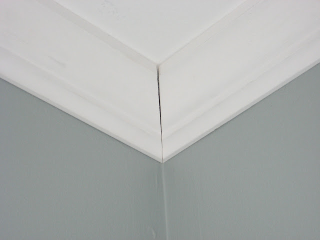 crown molding before caulk