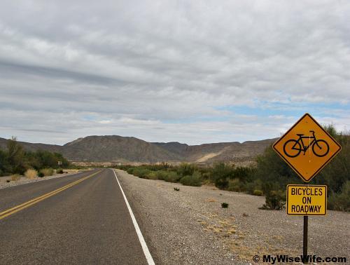 Flat plain near Rio Grande - perfect for biking