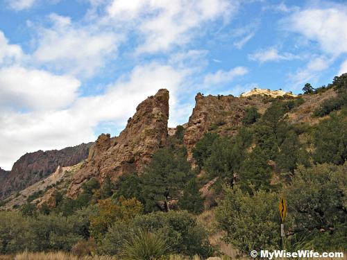 Strange rocks near Lost Mine Trailhead