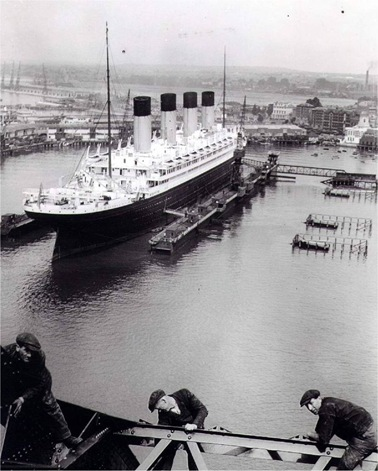 Olympic_floating_drydock[1]