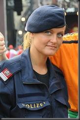 military_woman_austria_police_000013
